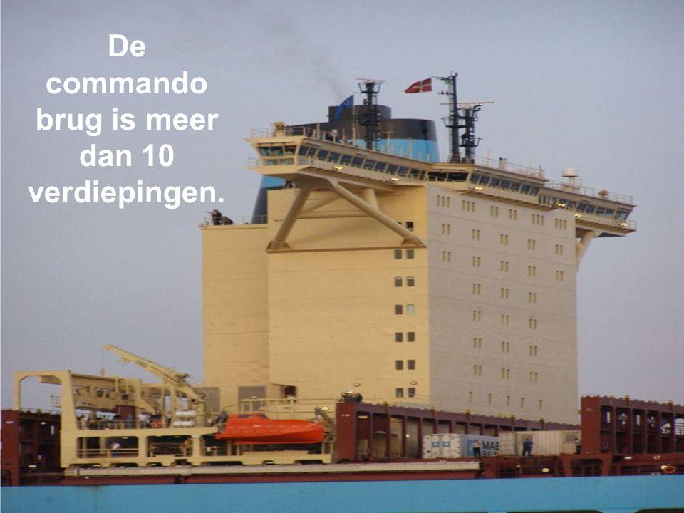 De commando brug is meer dan 10 verdiepingen.