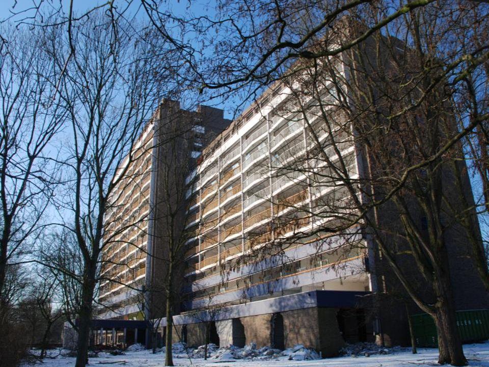 Sloop in beeld, van 6 februari 2012 tot en met 15 maart 2012 Het begin van het einde Valckensteyn Ooit was het de trots van de wijk Pendrecht.