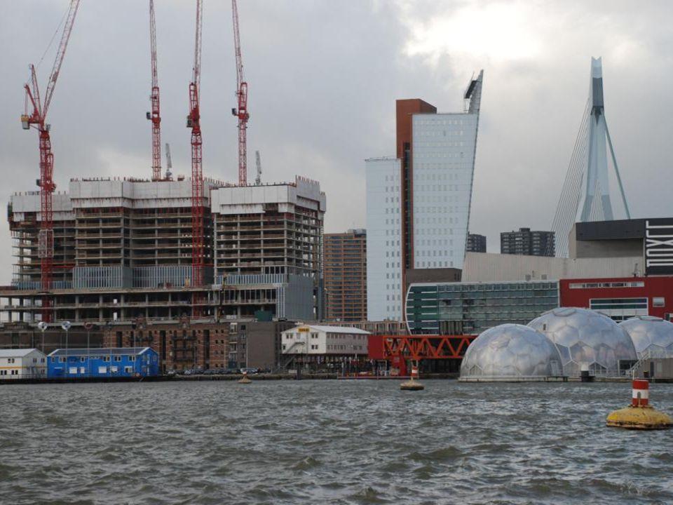 Aan de kant van de Rijnhaven is deze foto gemaakt