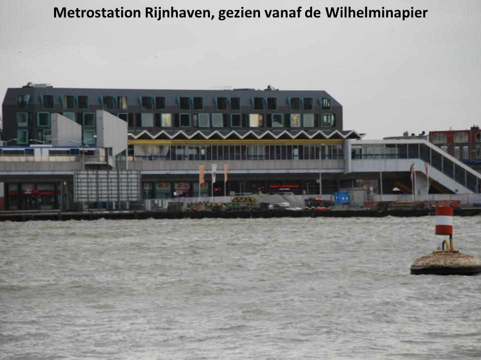 Metrostation Rijnhaven, gezien vanaf de Wilhelminapier