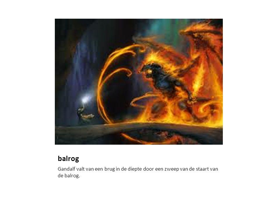 balrog Gandalf valt van een brug in de diepte door een zweep van de staart van de balrog.