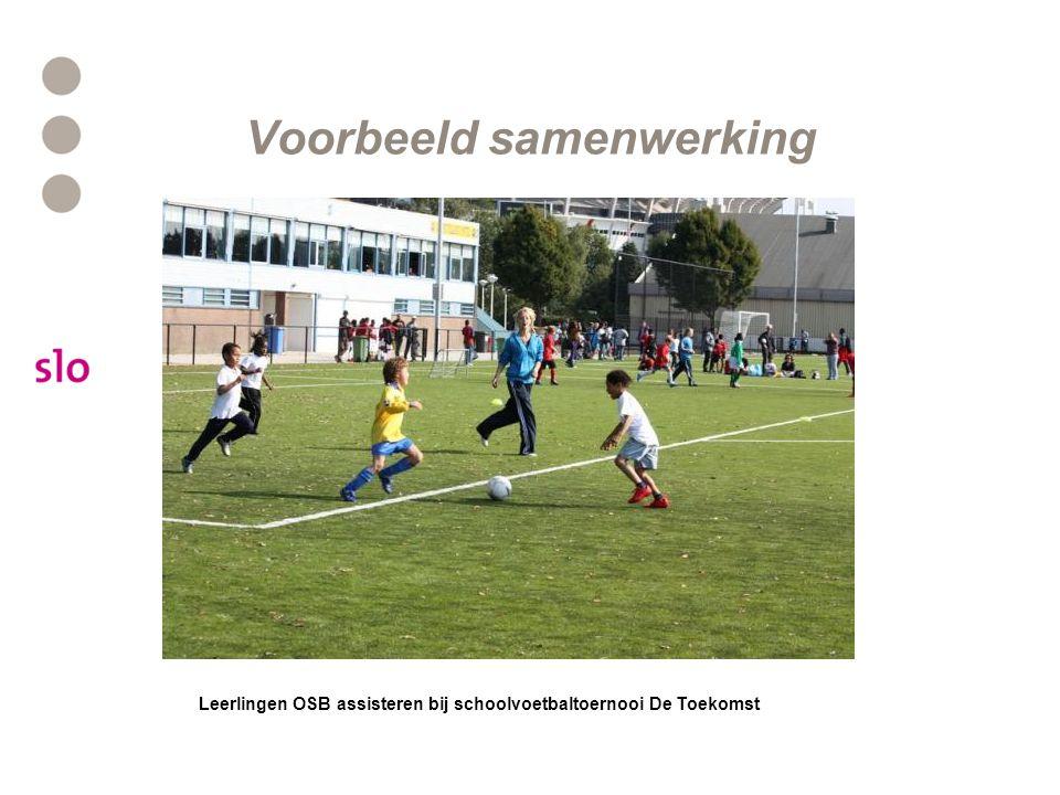 Voorbeeld samenwerking Leerlingen OSB assisteren bij schoolvoetbaltoernooi De Toekomst