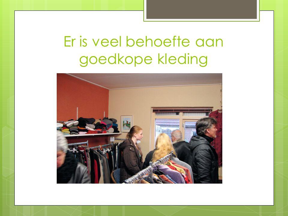 Op 23-11-2012 opende Sinterklaas de 2 e hands kledingshop