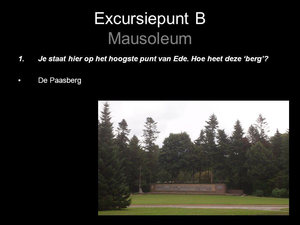 Excursiepunt B Mausoleum 2.Bekijk het monument n.a.v.