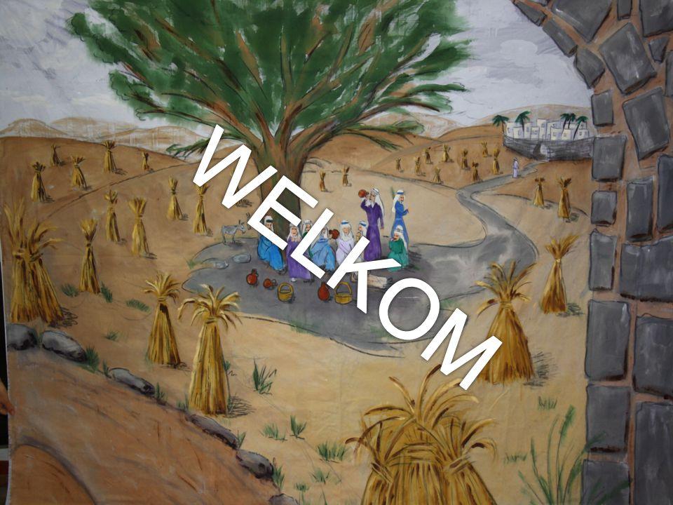 We lezen Ruth 1 : 1-5 Naómi en haar schoondochters 1 In de dagen, als de richters richtten, zo geschiedde het, dat er honger in het land was; daarom toog een man van Bethlehem-Juda, om als vreemdeling te verkeren in de velden Moabs, hij, en zijn huisvrouw, en zijn twee zonen.