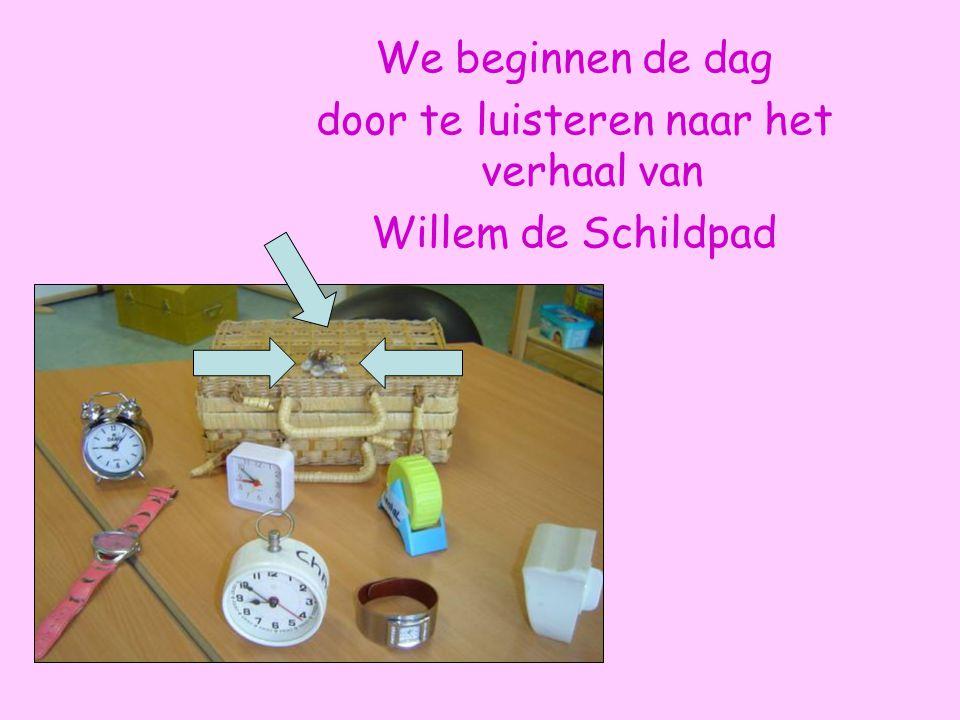 De kinderen mochten allerlei spullen meenemen rond het thema: tijd