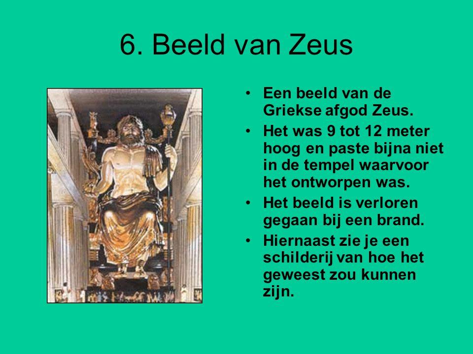 6.Beeld van Zeus Een beeld van de Griekse afgod Zeus.
