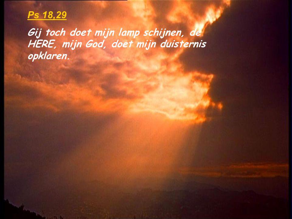Hij heeft de deur des doods gesloten en de deur des levens geopend, Want Hij is waarlijk opgestaan !