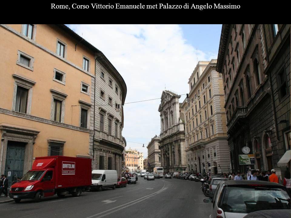 Rome, Corso Vittorio Emanuele met Palazzo di Angelo Massimo