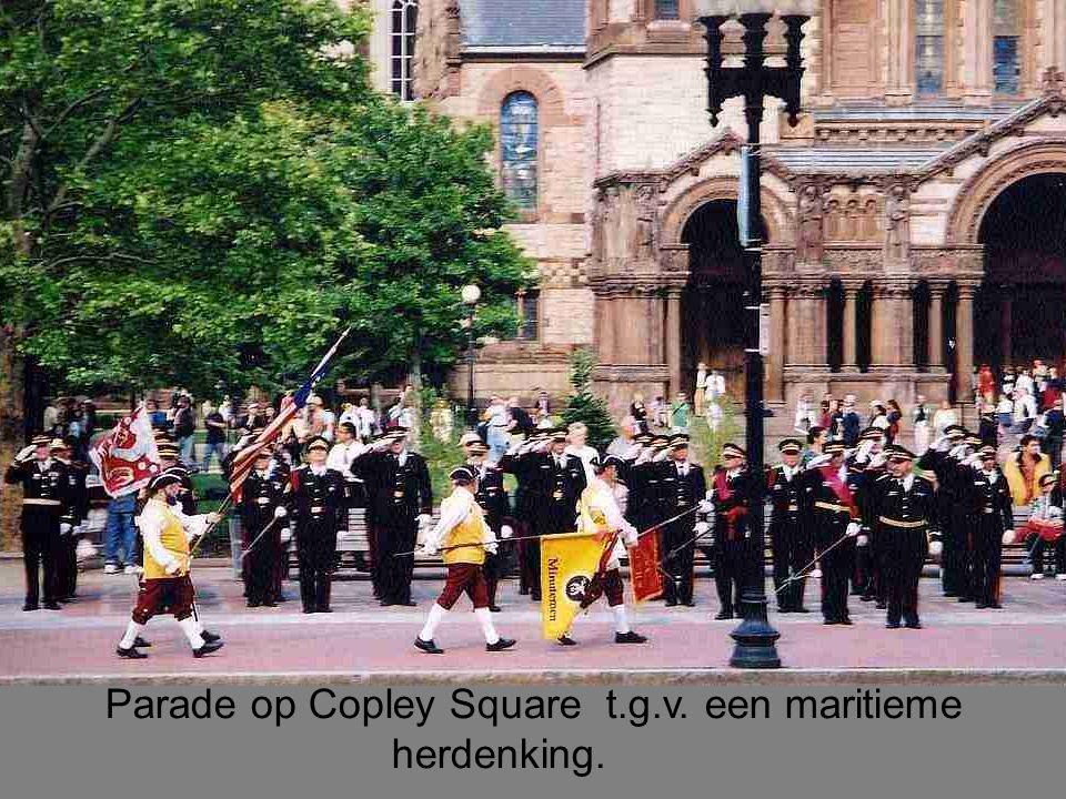 Parade op Copley Square t.g.v. een maritieme herdenking.