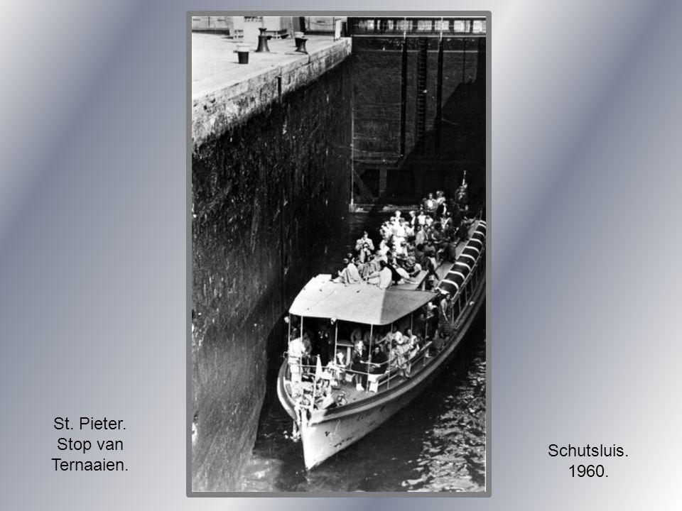 Wilhelminabrug. en Servatiusbrug.1934.