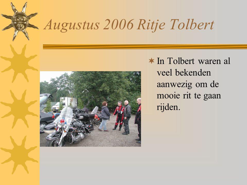 Augustus 2006 Ritje Tolbert  Nog even een zwak contactslot op zijn taak wijzen.