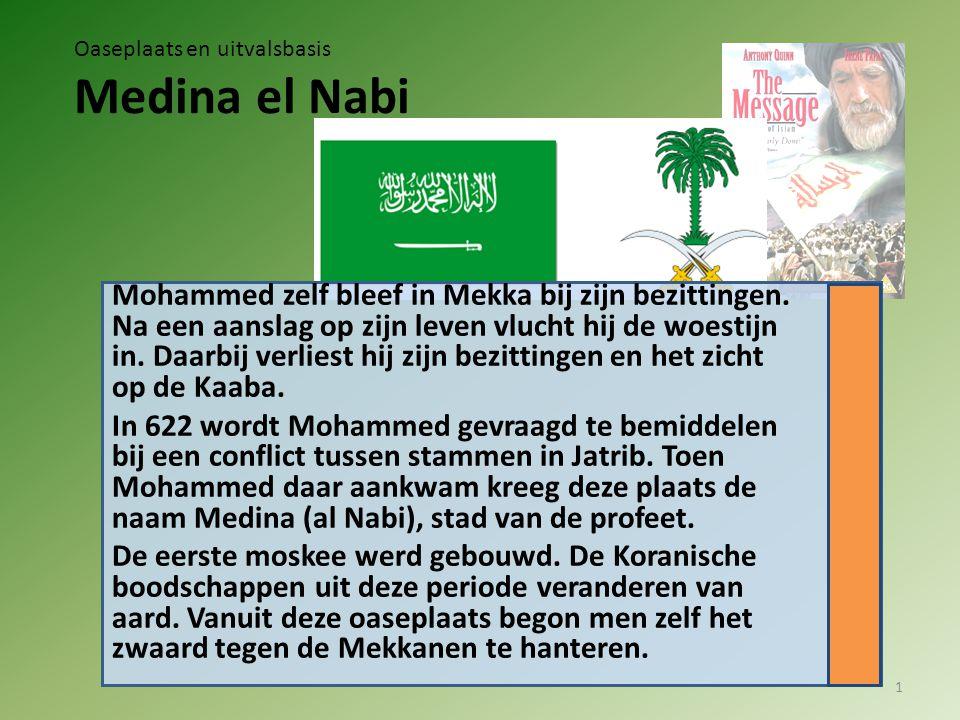 Mohammed zelf bleef in Mekka bij zijn bezittingen. Na een aanslag op zijn leven vlucht hij de woestijn in. Daarbij verliest hij zijn bezittingen en he