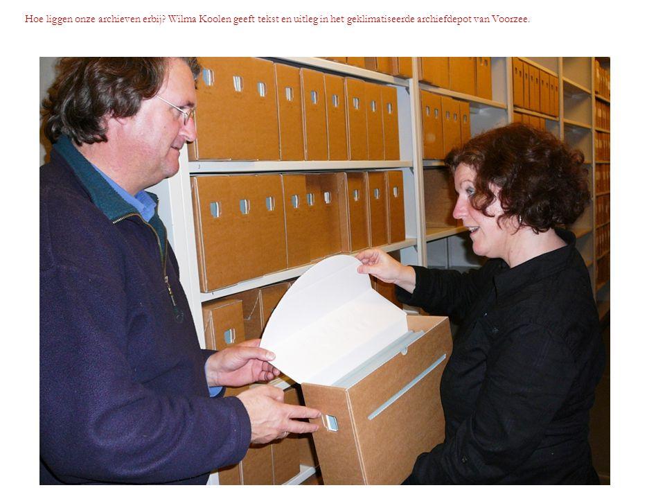 Hoe liggen onze archieven erbij? Wilma Koolen geeft tekst en uitleg in het geklimatiseerde archiefdepot van Voorzee.