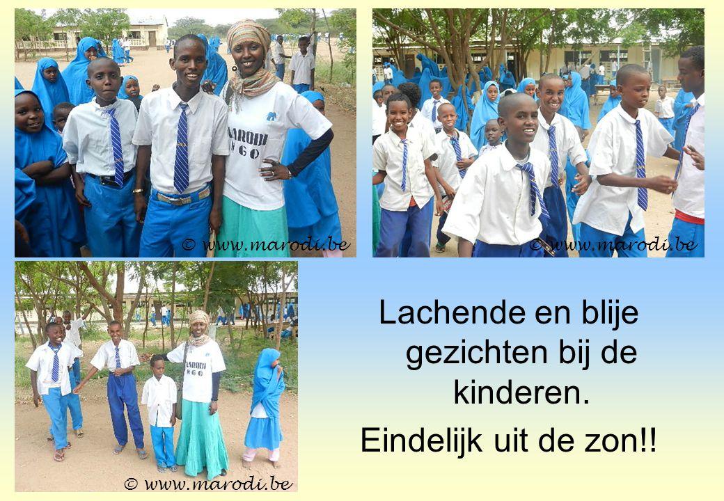Lachende en blije gezichten bij de kinderen. Eindelijk uit de zon!! © www.marodi.be
