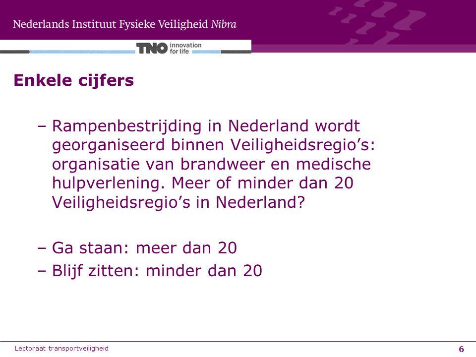 6 Enkele cijfers –Rampenbestrijding in Nederland wordt georganiseerd binnen Veiligheidsregio's: organisatie van brandweer en medische hulpverlening. M