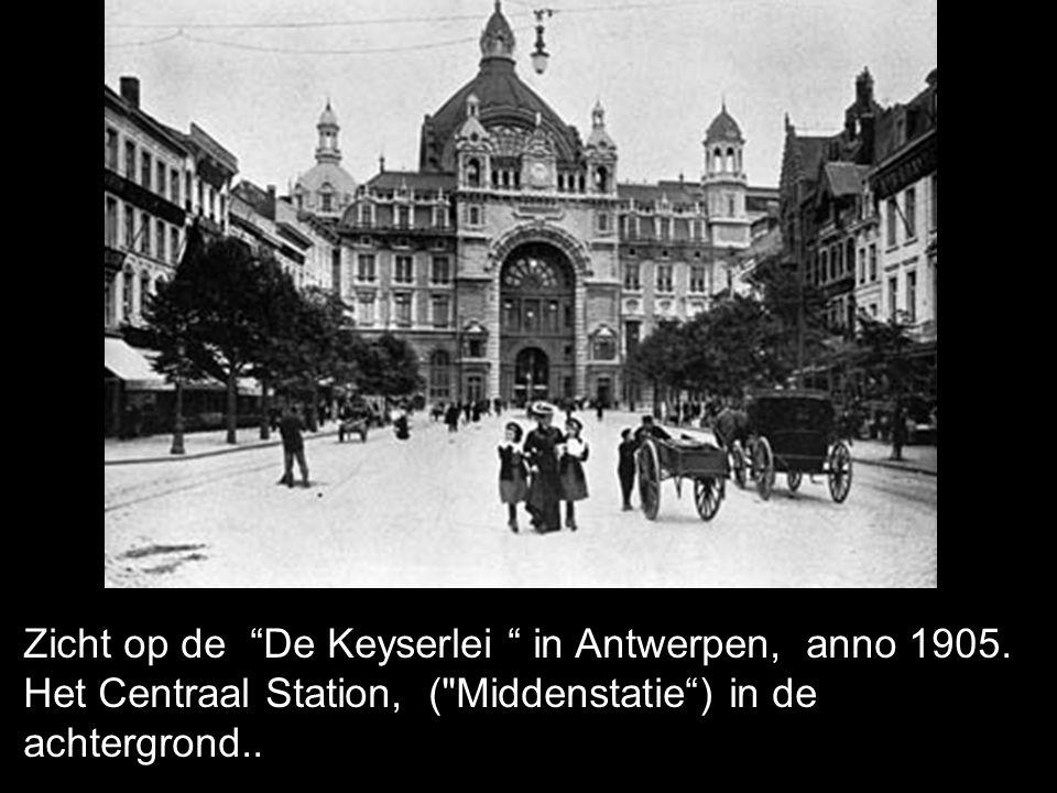 Zicht op de De Keyserlei in Antwerpen, anno 1905.