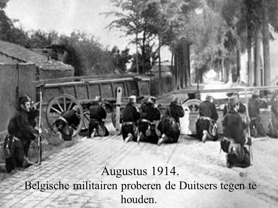 Augustus 1914. Belgische militairen proberen de Duitsers tegen te houden.