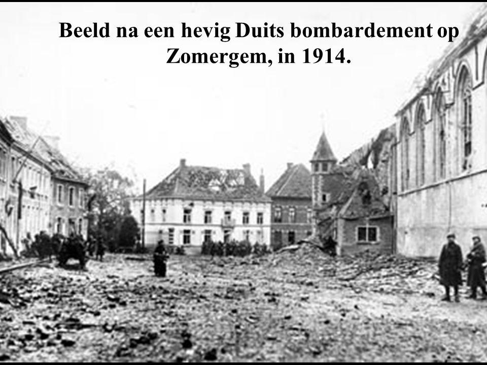 Beeld na een hevig Duits bombardement op Zomergem, in 1914.