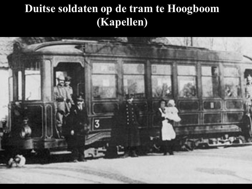 Duitse soldaten op de tram te Hoogboom (Kapellen)