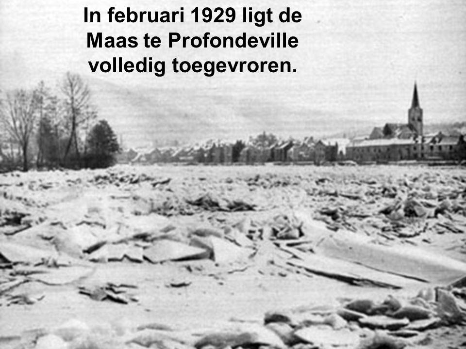 In februari 1929 ligt de Maas te Profondeville volledig toegevroren.