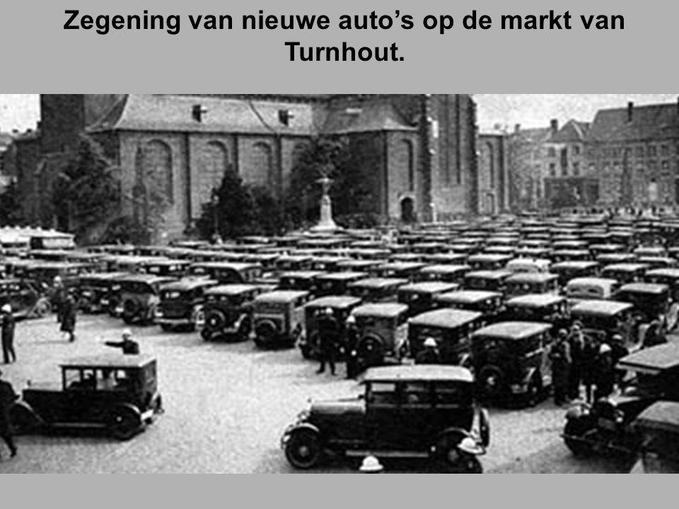 Zegening van nieuwe auto's op de markt van Turnhout.