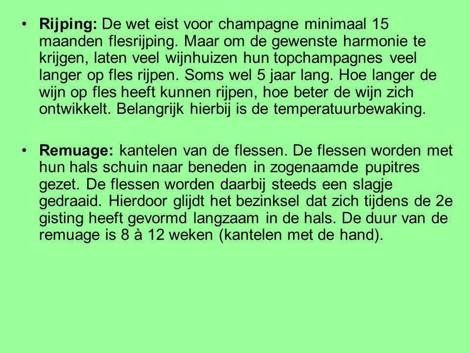 Rijping: De wet eist voor champagne minimaal 15 maanden flesrijping. Maar om de gewenste harmonie te krijgen, laten veel wijnhuizen hun topchampagnes