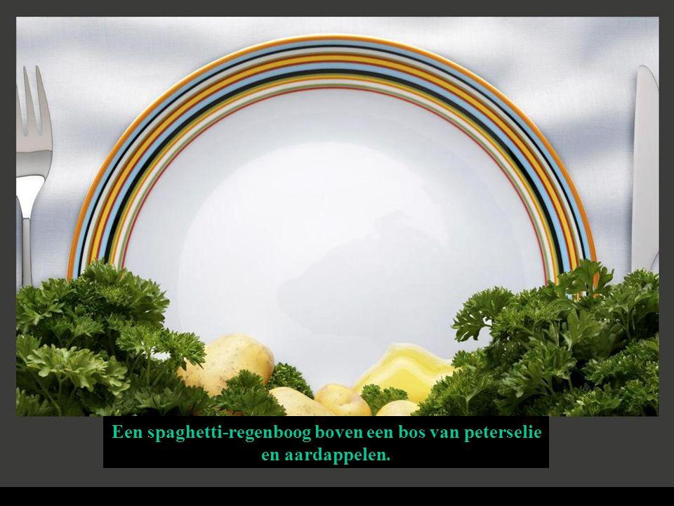 Een spaghetti-regenboog boven een bos van peterselie en aardappelen.