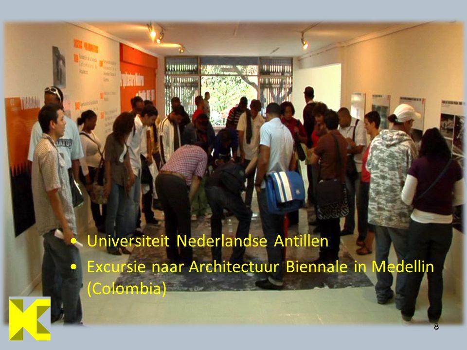 88 Universiteit Nederlandse Antillen Excursie naar Architectuur Biennale in Medellin (Colombia)