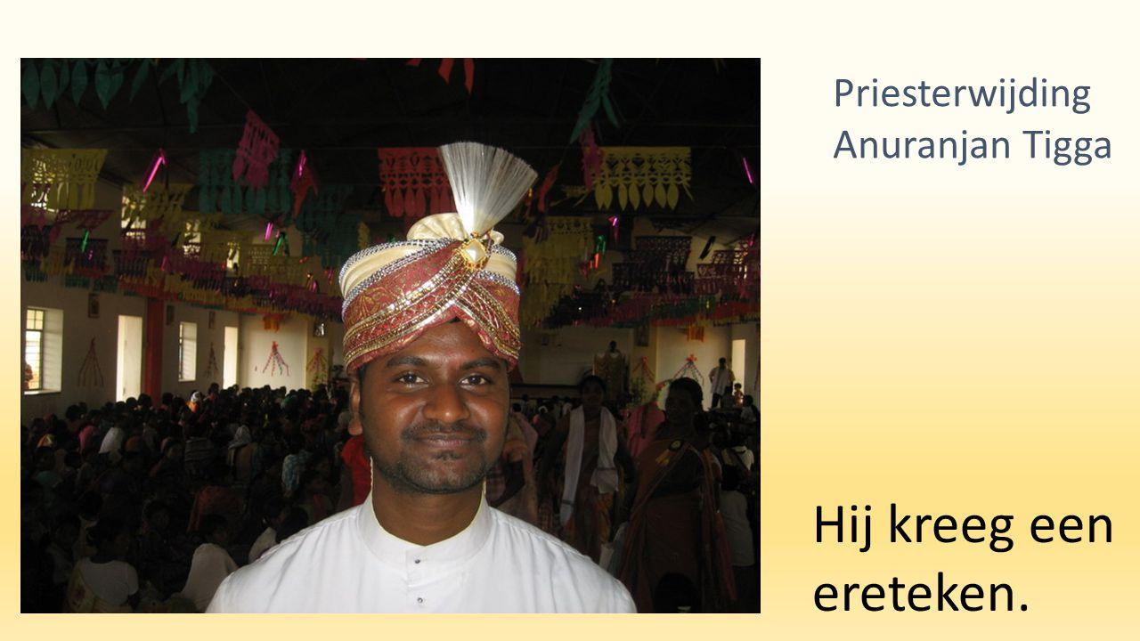 Hij kreeg een ereteken. Priesterwijding Anuranjan Tigga