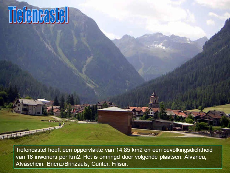Tiefencastel ligt in het zwitserse Graubunden. Het heeft ongeveer 250 inwoners. De officiele talen zijn er romaans en duits.