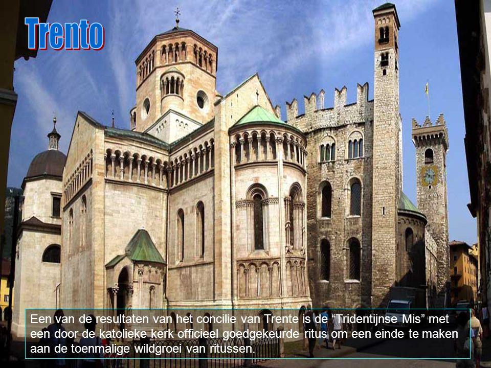 Trento strekt zich uit over 157 km2, en grenst aan Giovo, Lavis, Albiano, Terlago.