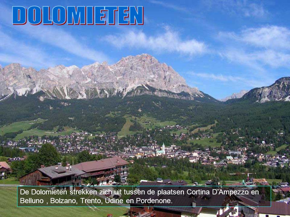 De Dolomieten (in het italiaans Dolomiti) vormen een bergketen van de oostelijke Alpen in Noord-Italië.