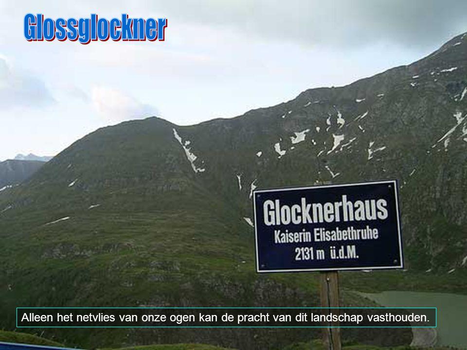 De Glossglockner is het hoogste punt van Oostenrijk (3.797 meter). Hij is, na de Mont Blanc, de hoogste berg van de Alpen.