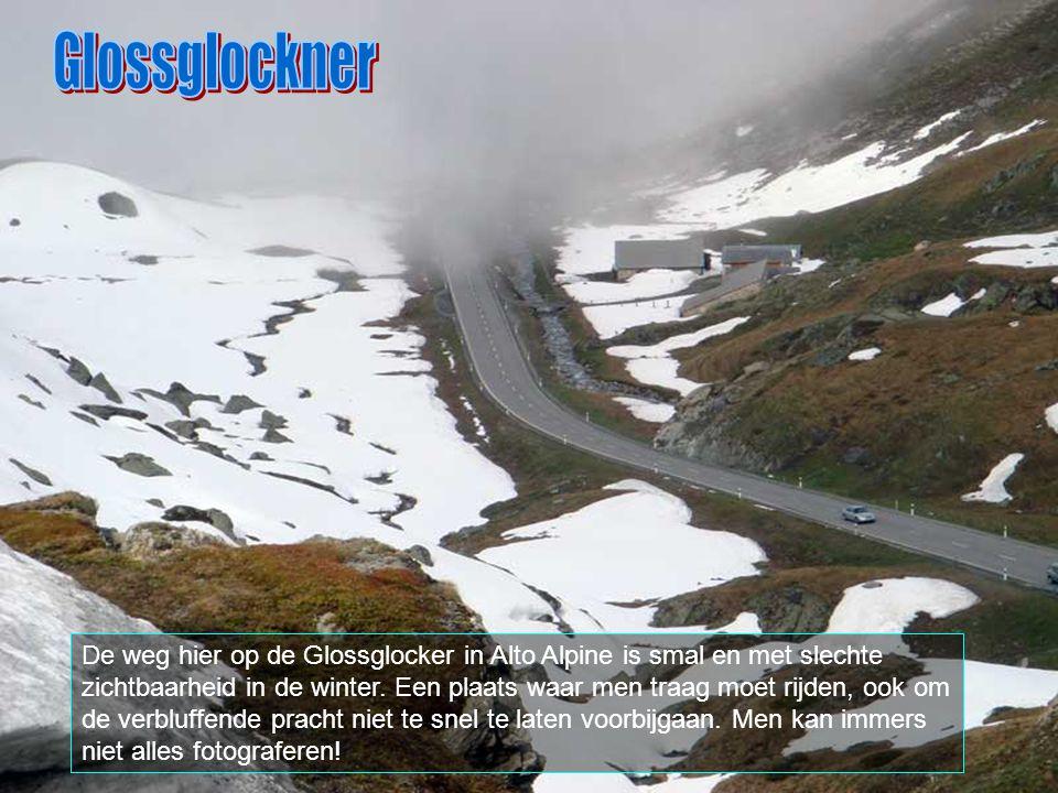 Heiligenblut is een plaats in het distrikt Spittal, gelegen aan de voet van de Glossglockener en de Pasterze gletscher.
