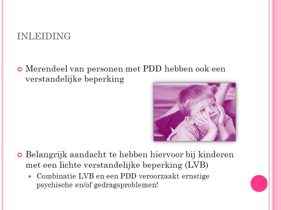I NLEIDING Wat is een pervasieve ontwikkelingstoornis ( pervasive developmental disorder, PDD )? Pervasief staat voor 'diep doordringend'. Het verwijs