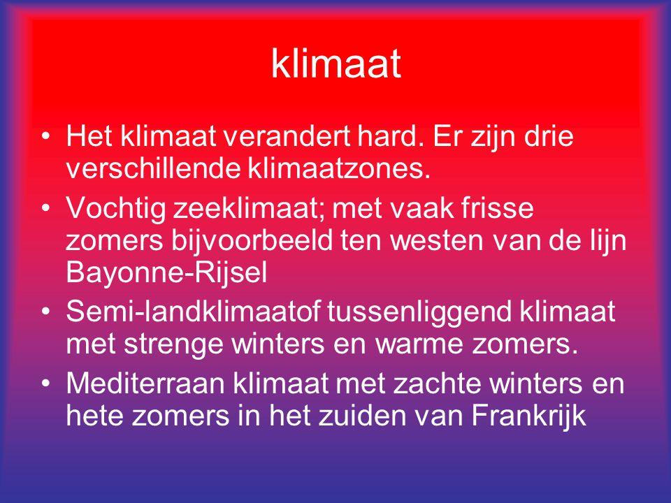 klimaat Het klimaat verandert hard. Er zijn drie verschillende klimaatzones. Vochtig zeeklimaat; met vaak frisse zomers bijvoorbeeld ten westen van de