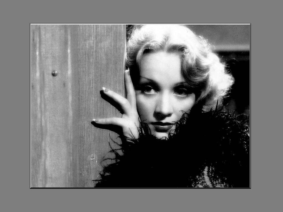 Vanaf begin1942, nam Marlene Dietrich rechtstreeks deel aan de oorlogsforcing van de Verenigde Staten.
