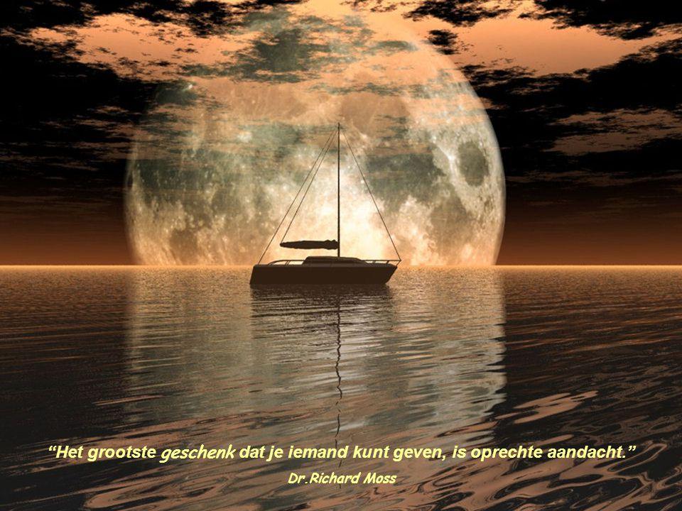 Mijn wolken treurend in het duister, vergeten dat zij het zelf zijn die de zon verborgen houden. Tagore
