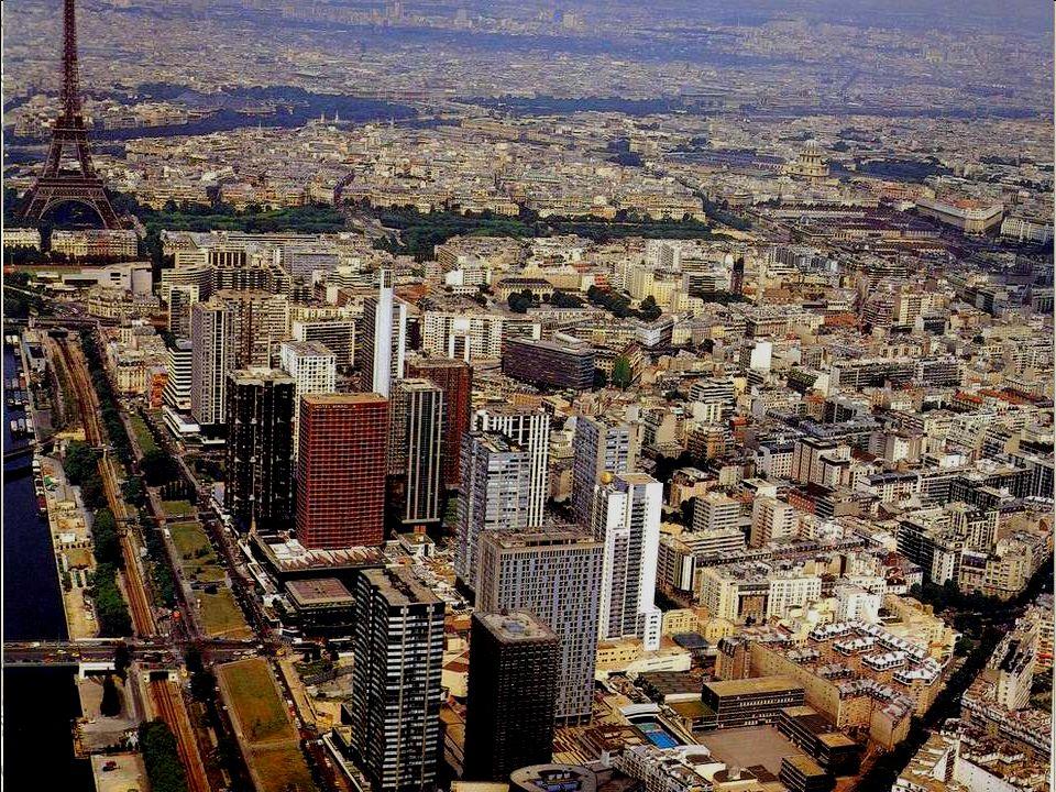 Om te beginnen een weids panorama dat een goede indruk geeft van de groots opgezette projecten voor stadsvernieuwing, onder andere het bouwen van een