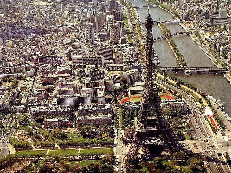 De Eiffeltoren, gebouwd ter gelegenheid van de Wereldtentoonstelling 1889, werd ontworpen door de ingenieur Gustave Eiffel, die ook het geraamte van h
