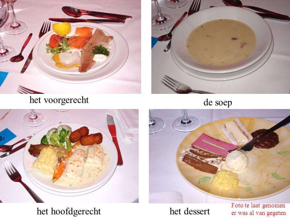 het voorgerecht de soep het hoofdgerechthet dessert Foto te laat genomen er was al van gegeten