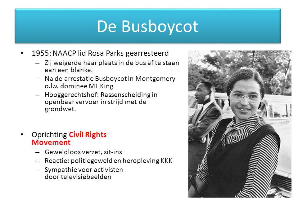 De Busboycot 1955: NAACP lid Rosa Parks gearresteerd – Zij weigerde haar plaats in de bus af te staan aan een blanke. – Na de arrestatie Busboycot in