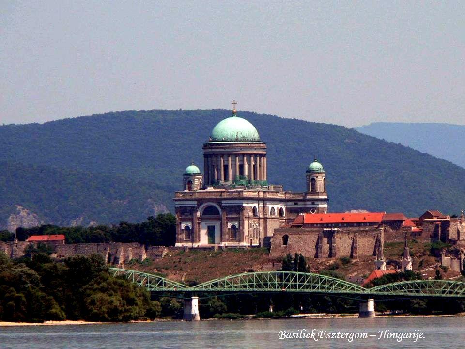 Centrum Komárom – Hongarije.