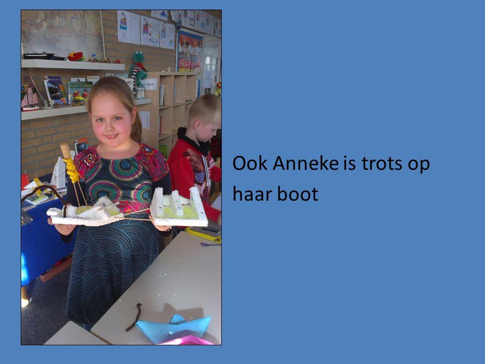 Ook Anneke is trots op haar boot