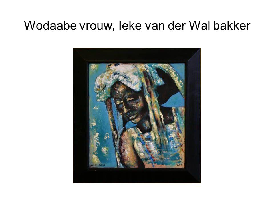 Wodaabe vrouw, Ieke van der Wal bakker
