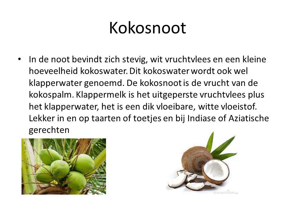 Kokosnoot In de noot bevindt zich stevig, wit vruchtvlees en een kleine hoeveelheid kokoswater. Dit kokoswater wordt ook wel klapperwater genoemd. De