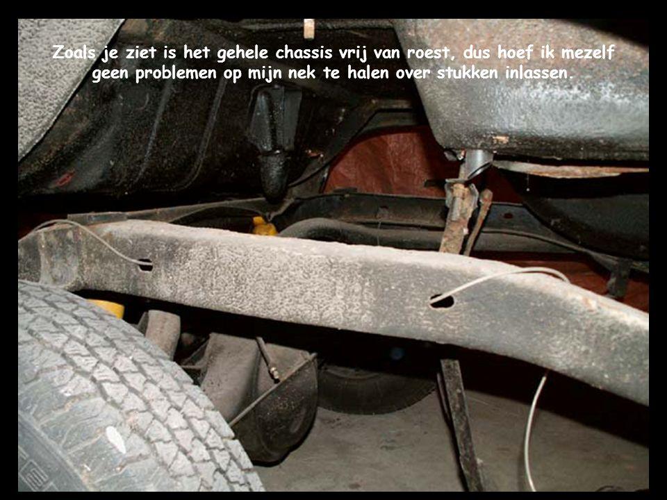 Zoals je ziet is het gehele chassis vrij van roest, dus hoef ik mezelf geen problemen op mijn nek te halen over stukken inlassen.