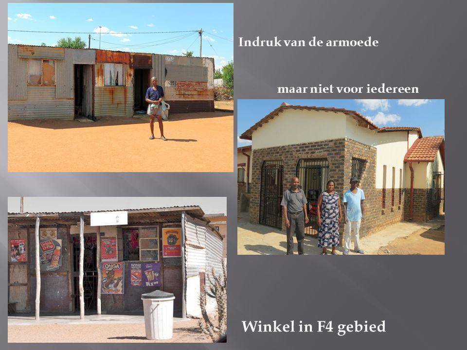 Indruk van de armoede maar niet voor iedereen Winkel in F4 gebied