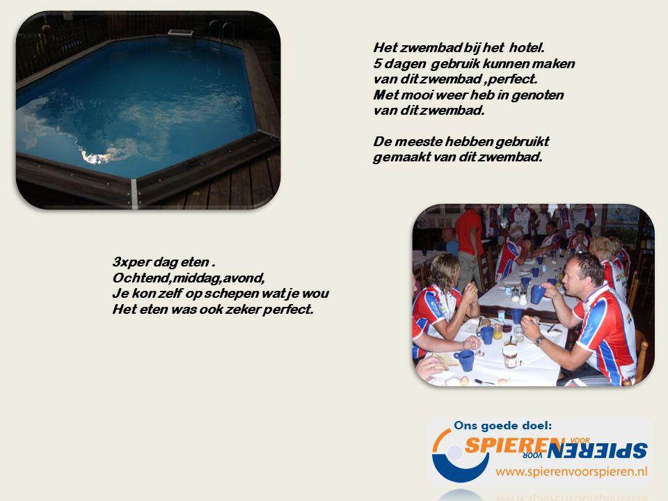 Het zwembad bij het hotel. 5 dagen gebruik kunnen maken van dit zwembad,perfect.